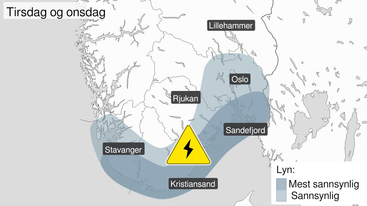 Kart over mye lyn, gult nivå, Østfold, Akershus, Oslo, Buskerud, Vestfold, Telemark, Aust-Agder, Vest-Agder og Rogaland, 26 July 14:00 UTC til 28 July 05:00 UTC.