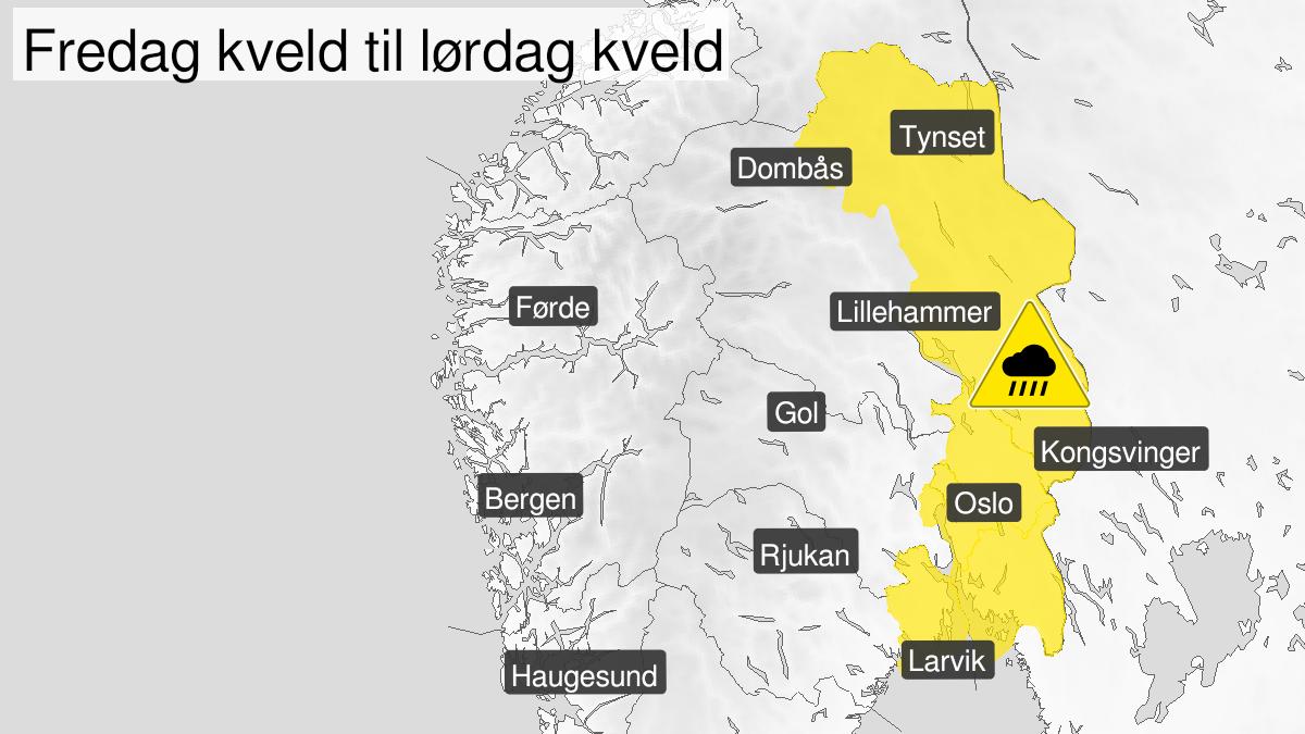 Map of heavy rainshowers, yellow level, Vestfold, Oestfold, Oslo and Akershus and Hedmark, 30 July 20:00 UTC to 31 July 16:00 UTC.