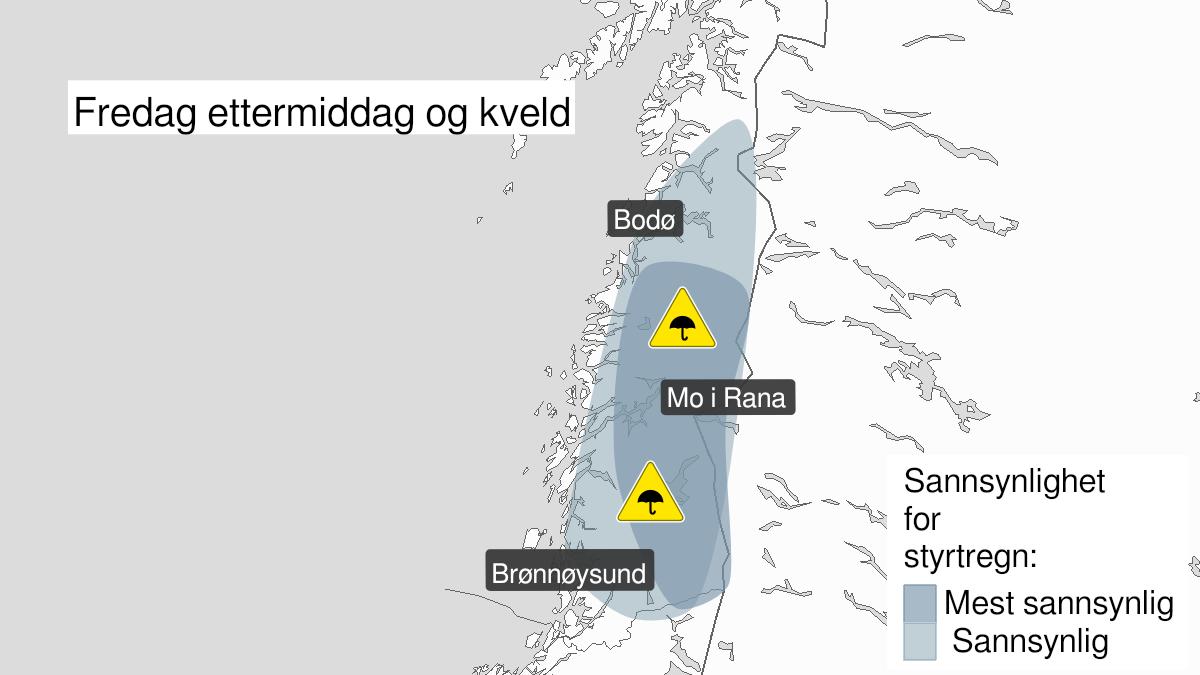 Map of heavy rainshowers, yellow level, Helgeland, Saltfjellet and Salten, 30 July 11:00 UTC to 30 July 18:00 UTC.