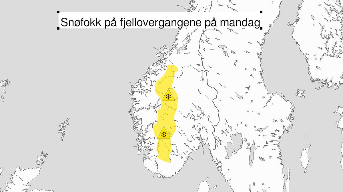 Map of blowing snow, yellow level, Fjellstroekene Trollheimen - Jotunheimen and Langfjella, 15 February 03:00 UTC to 15 February 15:00 UTC.