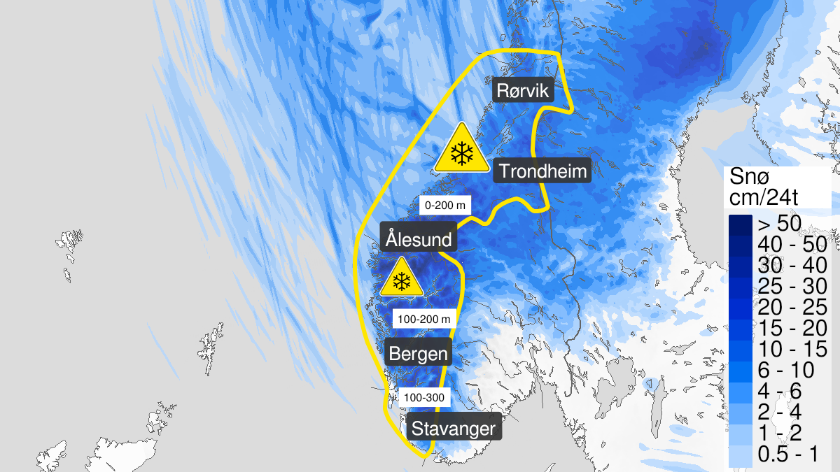 Map of snow ongoing, yellow level, Moere and Romsdal and Troendelag, 18 November 18:00 UTC to 20 November 11:00 UTC.