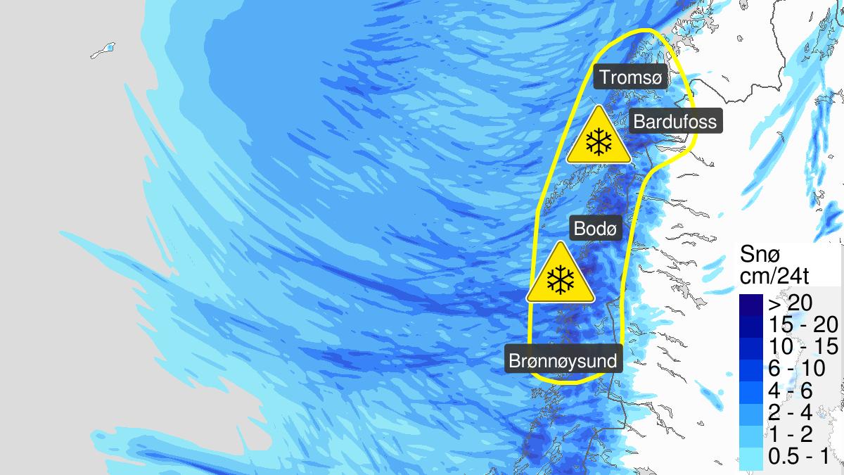 Map of heavy snow, yellow level, Nordland and Troms, 12 May 21:00 UTC to 13 May 21:00 UTC.