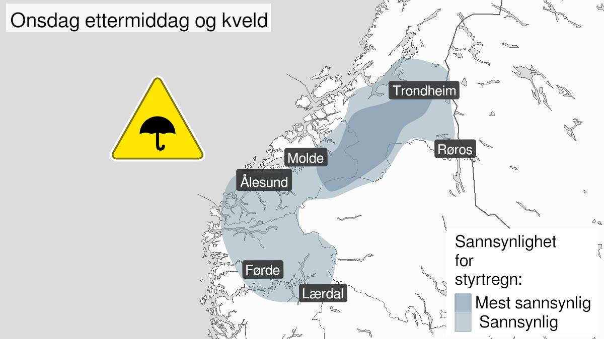 Map of heavy rainshowers, yellow level, Møre og Romsdal, 19 August 13:00 UTC to 20 August 01:00 UTC.